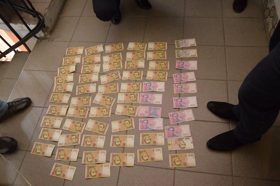 У Франківську суд оштрафував поліцейського, якого спіймали на хабарі