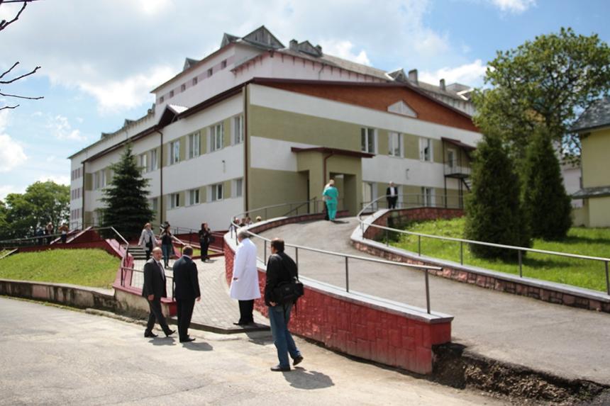 У Долинській районній лікарні відкрили відділення гемодіалізу. Фото