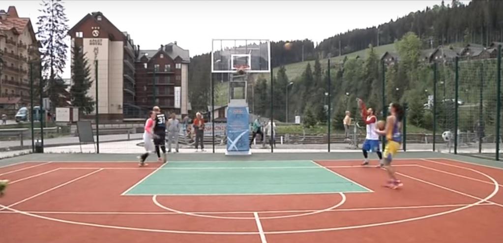 У Карпатах збірні України з баскетболу готуються до чемпіонату світу. Відео