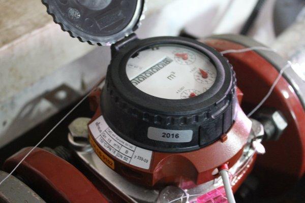 Постачальники послуг за власні кошти встановлять будинкові лічильники тепла протягом року і води – впродовж двох років