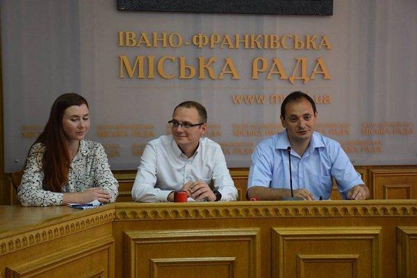 В Івано-Франківську провели підрахунок безпритульних собак. Фото
