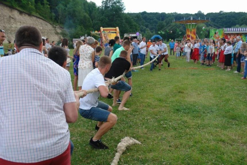 У Тлумацькому районі відбувся етно-фолк фестиваль Вільха