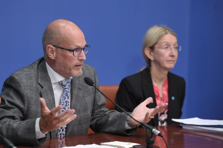В Україну із Канади прибули ліки проти ботулізму