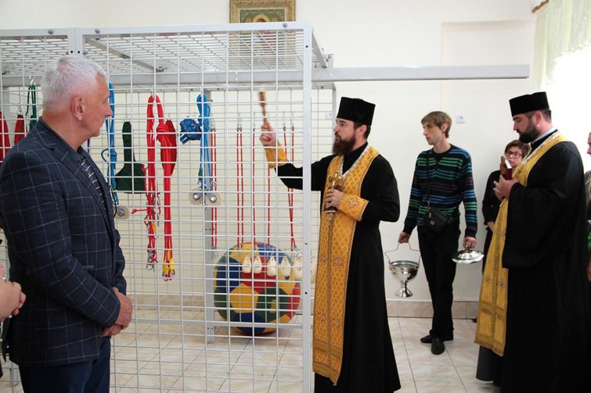 Завдяки проекту «Коло Добра» дитячий центр паліативної допомоги у Надвірній отримав реабілітаційне обладнання. Фото